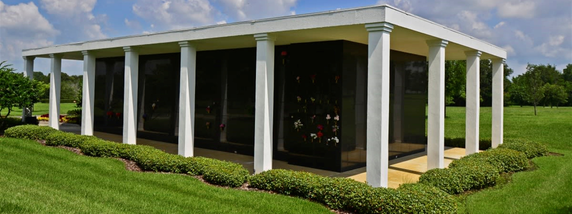 Mausoleums | Serenity Gardens