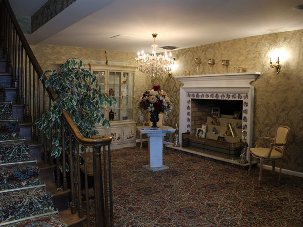 Front Foyer Fireplace