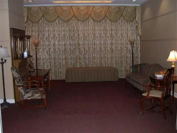 Family Parlor B
