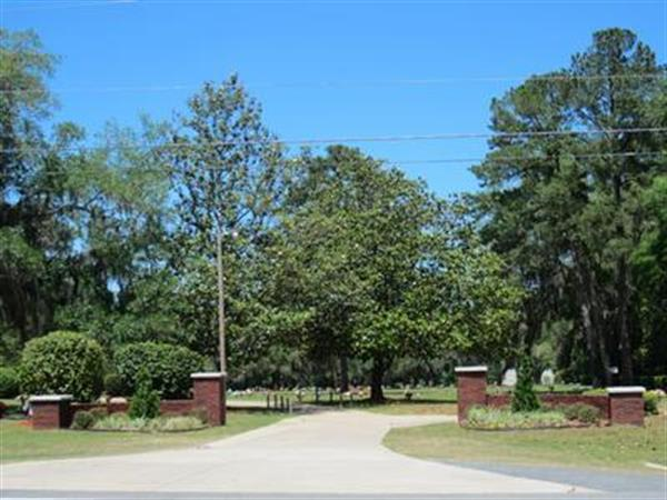 This is the main entrance to Tallahassee Memory Gardens.