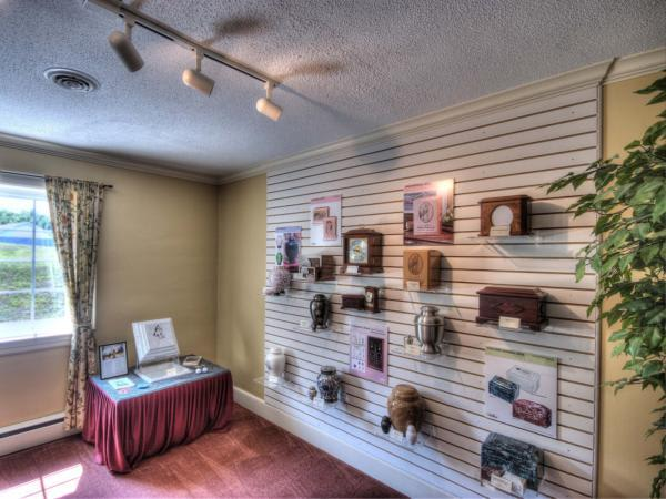 Arrangement Room Urn Wall