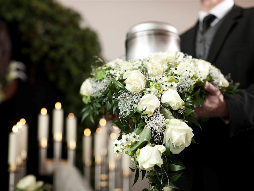 Urn Costs in loveland co