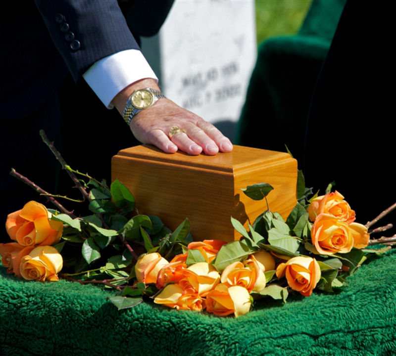 Customize your Caskets and Urns