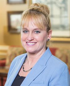 Kelly  Zednik