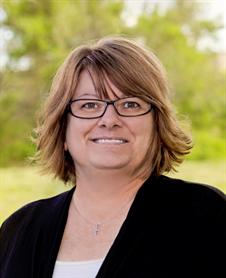 Suzanne Dobbs