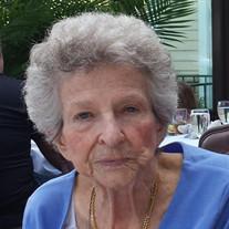 Maxine Mae Schultz