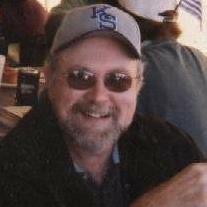 Daniel E Huey