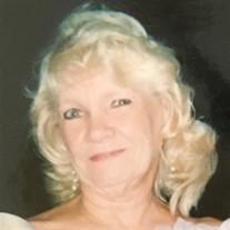 Lois Carruth Lind