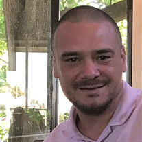 Ricardo R Fernandez