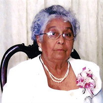 Ernestina Flores