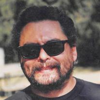 Daniel  E Lynch