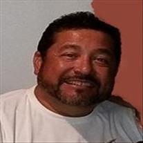 Roberto M. Renova