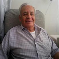 Roberto  Salas