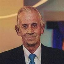 Hector L. Riva
