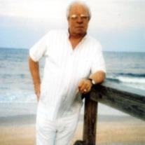 Louis E Rovere