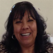 Linda J Terrones