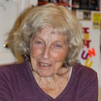 Maxine G Borchert